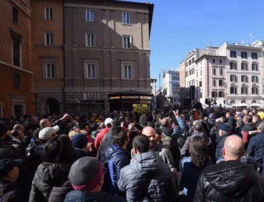 protesta-taxi-990x638